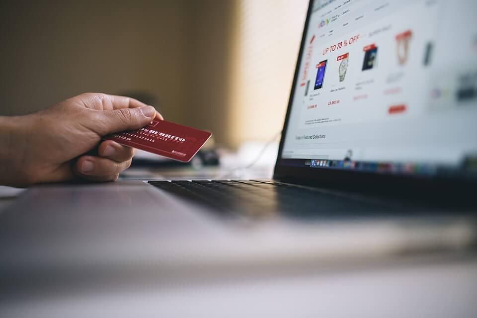 Imagen del post ¿Eres una adicta a las compras con tarjeta de crédito?